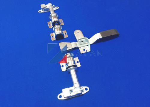 trailer door locking gear